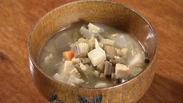 07.津軽の郷土料理、けの汁、まきずし、リンゴの丸っこ漬け