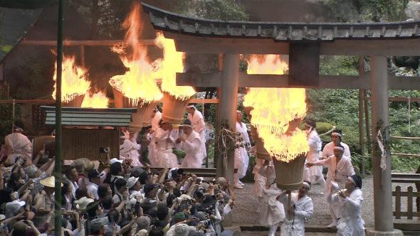 03.熊野那智大社の火祭り。湯浅町の金山寺味噌